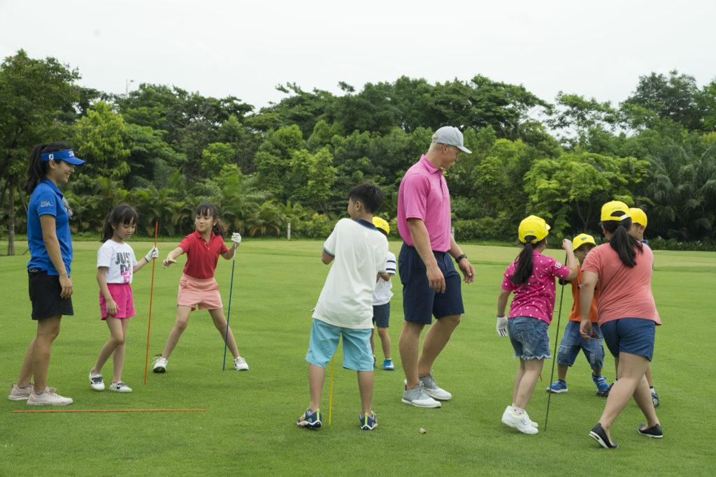 golf-cho-tre-em